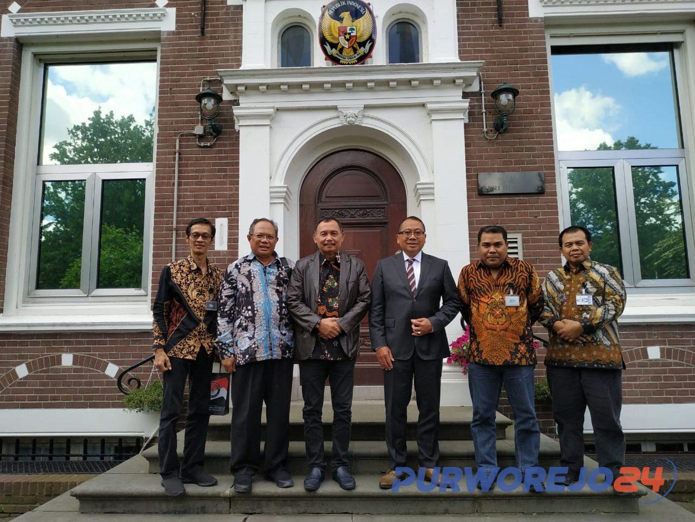 Kunjungan Kerja Bupati Purworejo dan rombongan ke Eropa