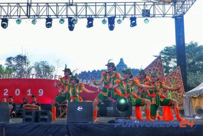 Tari Dolalak Lentera Jawa II dalam Borobudur International Arts Performing Festival 2019