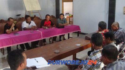 Pertemuan perangkat desa Jatimalang dengan Kepala Dinpermades dan Camat Purwodadi. (6/9/2019)