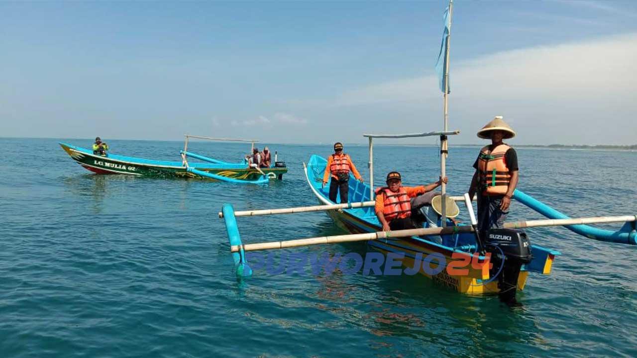Upaya pencarian korban nelayan tenggelam di Pantai Kertojawan Purworejo. (Foto Basarnas)