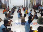 Rutan Kelas IIB Purworejo melakukan sosialisasi kepada para penghuni terkait aturan baru.