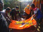 Mayat bayi dievakuasi dari halman sebuah rumah di Kelurahan Sindurjan, Kabupaten Purworejo