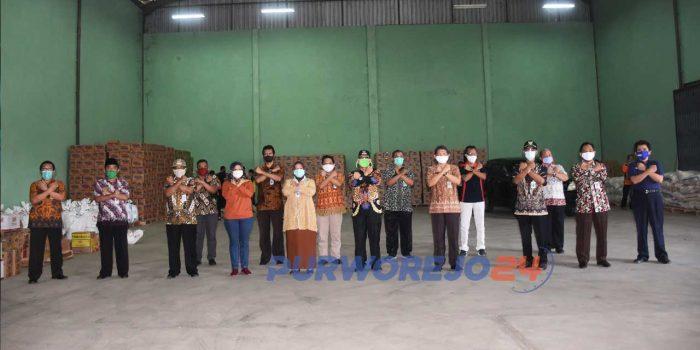 Wakil Bupati Purworejo Yuli Hastuti dan camat se-Purworejo Berfoto Bersama