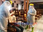 Pelaksanaan Swab Test Covid-19 di ruang Arahiwang, Komplek Setda Purworejo. (Dok))