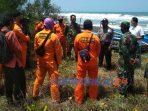 Satu orang nelayan dikabarkan hilang tenggelam dalam sebuah kecelakaan laut di perairan pantai Jatikontal, Purworejo. Selasa (8/9/2020).