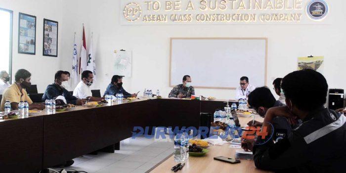 Dialog antara Kemenko Maritim dan Investasi dengan pihak terkait pembangunan Bendungan Bener. Rabu (14/10/2020)
