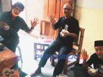 Panitia Lomba Baca Puisi Daring Kopisisa 2020 saat penjurian