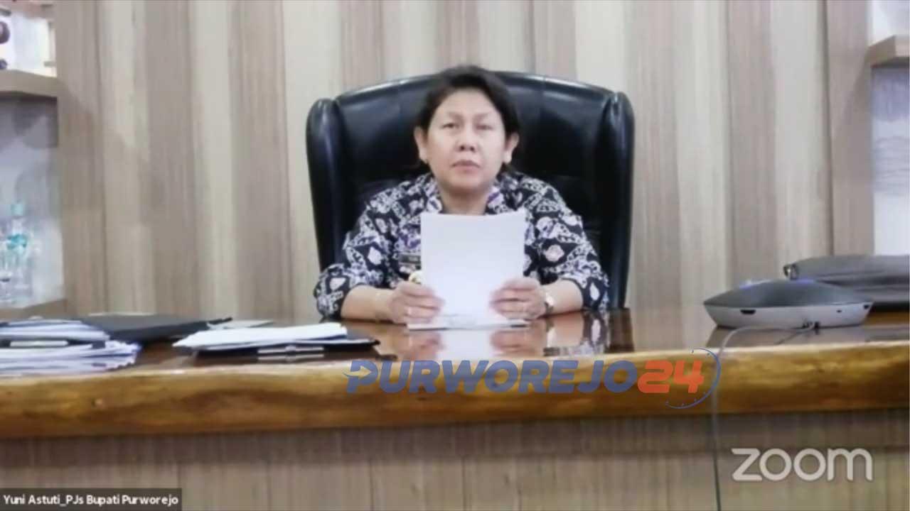 Pjs Bupati Yuni Astuti saat membuka Purworejo Webinar Series.