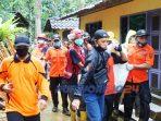 Proses evakuasi penggali sumur yang tewas di Desa Semono Desa Semono, Kecamatan Bagelen, Purworejo. (30/10/2020)