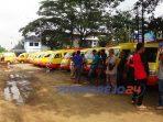 Puluhan supir kopada jalur A mendatangi kantor Dinas Perhubungan Kabupaten Purworejo, Jawa Tengah, pada Jumat (23/10/2020).