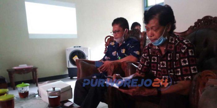 Rapat koordinasi Penyelenggaraan Lomba Vlog dan Folklore di kantor UPT Museum Tosan Aji, Kamis (19/11/2020)