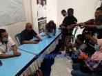 Tim Paslon BUNG TOMO mengadakan Konferensi Pers menanggapi Deklarasi Kemenangan oleh Tim BAYU. Kamis (10/12/2020)