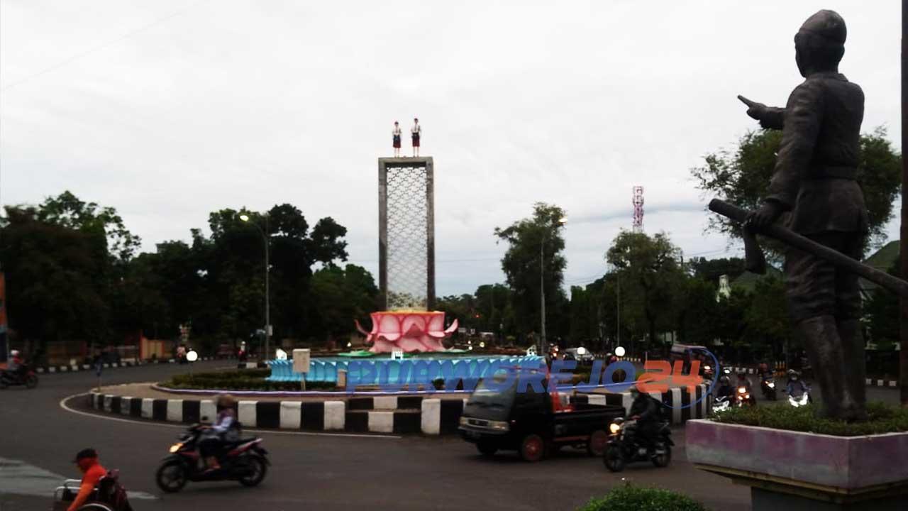 Renovasi Monumen Perjuangan Tentara Pelajar yang memindah dan mengganti lambang Garuda dengan patung SD menuai polemik serta penolakan