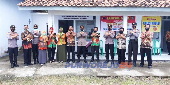 Foto bersama usai kegiatan perpanjangan PPKM di Desa Bajangrejo