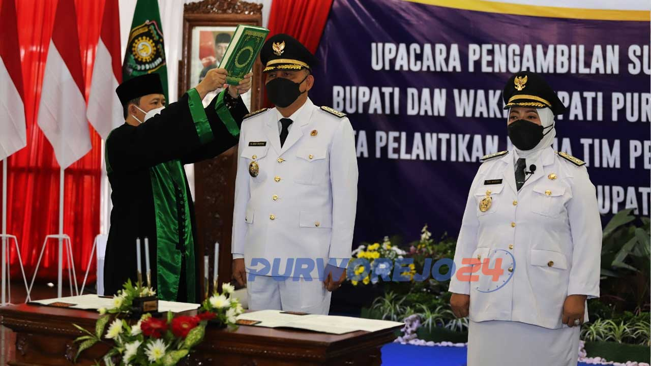 engambilan sumpah jabatan dan pelantikan Bupati-Wakil Bupati Purworejo dilaksanakan secara virtual dari Pendopo Kabupaten Purworejo.