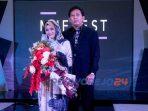 Hj Khoirun Nisa' Founder Li Scraft bersama suami berfoto bersama usai Muffest 2021 di Hartono Mall Jogja