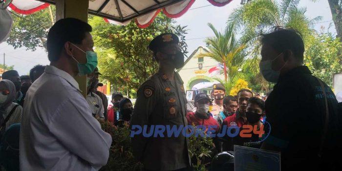 Dialog antara warga dan perwakilan BPN Purworejo