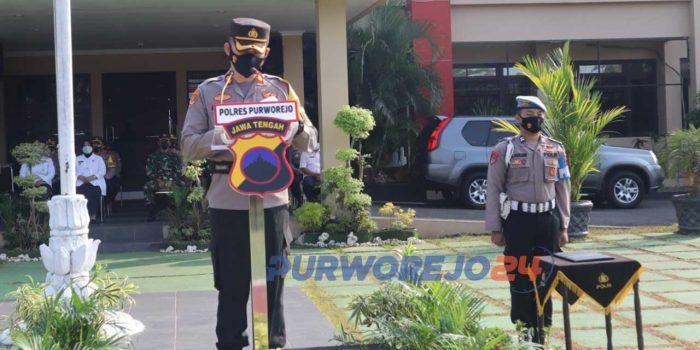 Kapolres Purworejo AKBP Rizal Marito saat memimpin Apel Gelar Pasukan Operasi Ketupat 2021