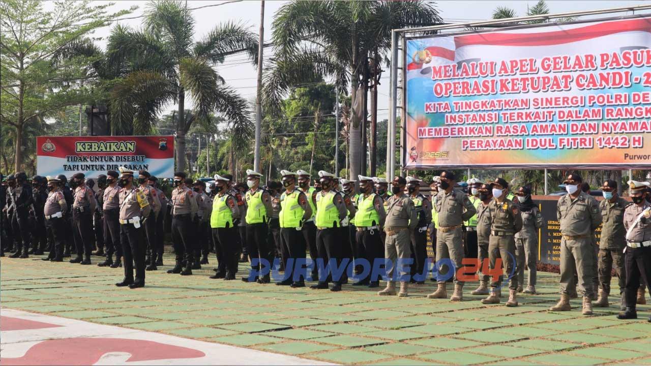 Ratusan personil POlres Purworejo dan instansi terkait melalukan apel persiapan Operasi Ketupat 2021
